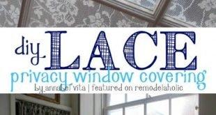 DIY Lace Privacy Fensterabdeckung (Remodelaholic)