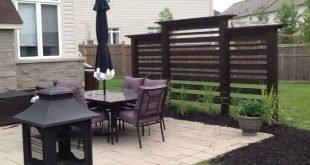 Wir haben diesen Sichtschutz selbst für einen modernen Look zu einem Bruchteil der Kosten für die Installation eines Landschaftsunternehmens für uns gebaut. - Gute Gartenarbeit