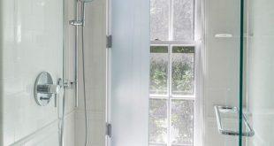 Was für eine coole Idee! Haben Sie Ihr Fenster in der Dusche und schützen Sie es mit einem Glassch ...