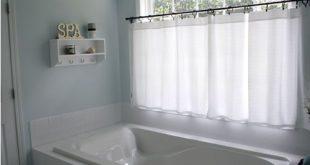 Ich habe so ein Fenster in meinem Master-Bad. Diese Vorhänge sehen perfekt aus ...