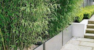 Lange, rechteckige Zinkpflanzgefäße zur ...