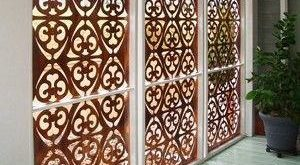 Lasergeschnittenes Holz-Jali-Design
