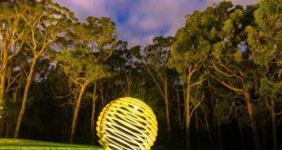 Metal Garden Sphere - Die Schattenkugel von