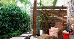 Sichtschutz / Gartenmauer / Palettenmauer von South Austin Landscape - wäre ...