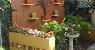 Tor partielle Privatsphäre Zaun und Asche Block Pflanzer Trennwand ... billig und einfach ...