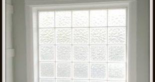 Wer hat nicht eines dieser Fenster aus Glasbausteinen in seinem Badezimmer ... kommen Sie ...