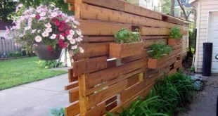 Wunderschöne Ideen für die Gestaltung von Sichtschutzwänden für Pflanzgefäße, um Ihr Zuhause noch attraktiver zu gestalten