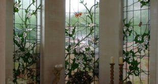 Behandlung von Sichtschutzfenstern im Badezimmer