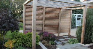 Louvered Garden Privacy Wall