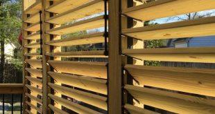 Louvered Privacy Wall Deck | Layjao