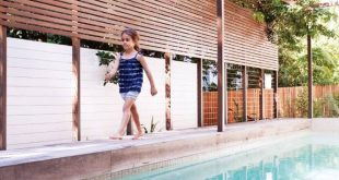 Sunshine Beach Pool House / Bark Design Architekten
