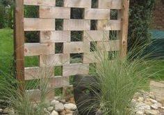 ein bisschen Privatsphäre mit einer künstlerischen Fackel Landscape and Garden Projects Proj ...