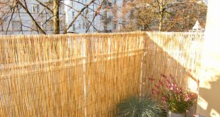 Balkon DIY (in Bearbeitung!) Kleiner Garten mit schwarzen und Terra-Kieselsteinen, kleine ...
