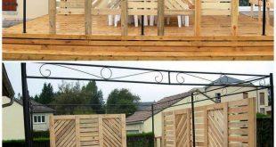 Diese Gartenterrasse aus recycelten Paletten mit Sichtschutzwand passt sich Ihrem ...
