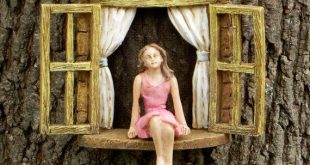 Miniaturgarten MÄDCHEN ohne Flügel - Miniaturgarten-Accessoire - Mädchen im Miniaturfenster, Accessoire für den Feengarten
