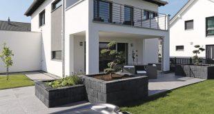 Moderne Stadtvilla mit Whirlpool - WeberHaus City Life Kundenhaus - HausbauDirekt ....
