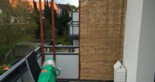 Balkon Bambus Jalousien selber bauen - eine Seite fertig