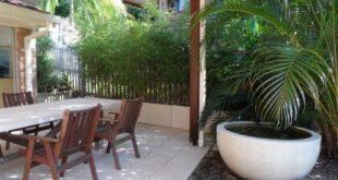 Damals, Ende 2011, als ich einen Pflanzenschutz zwischen unserem Terrassenbereich und ...