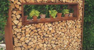 Holzregale Cortenstahl als Sichtschutz und Dekorationselement im Garten 2x2 m